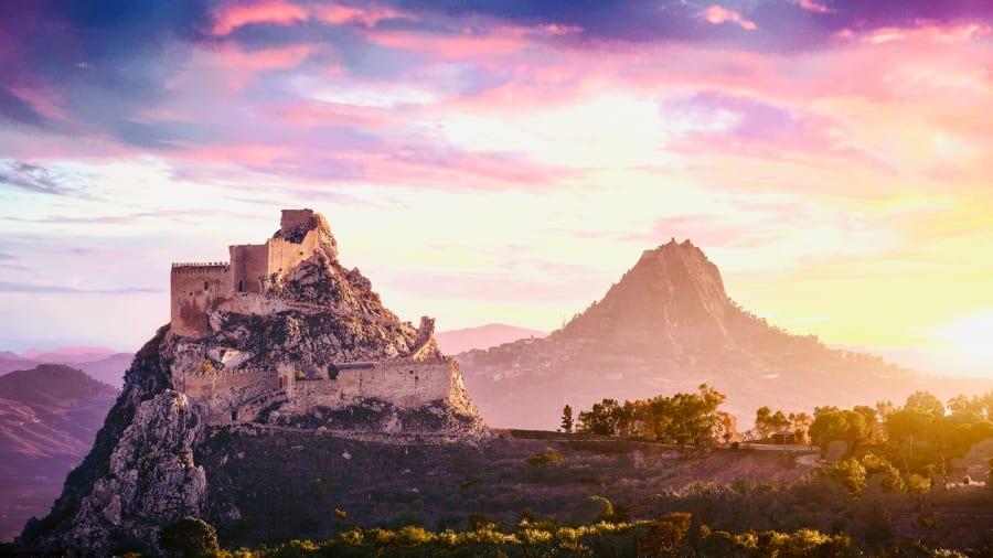 Dollar-Italy-dream-house---Mussomeli-scenic-view---credit-Maurizio-Di-Maria