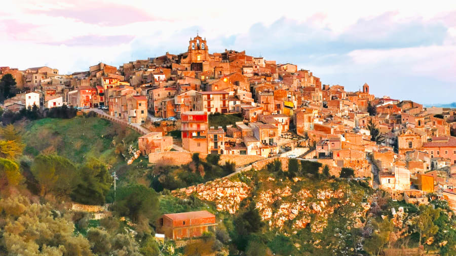 Dollar-Italy-dream-house---Mussomeli-view---credit-Salvatore-Catalano