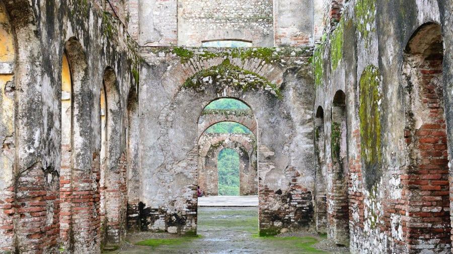 http3a2f2fcdn.cnn_.com2fcnnnext2fdam2fassets2f190904104925-abandoned-palaces-sans-souci-19