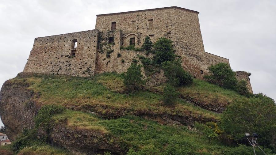 Laurenzana €1 homes on sale---castle-c-moreno