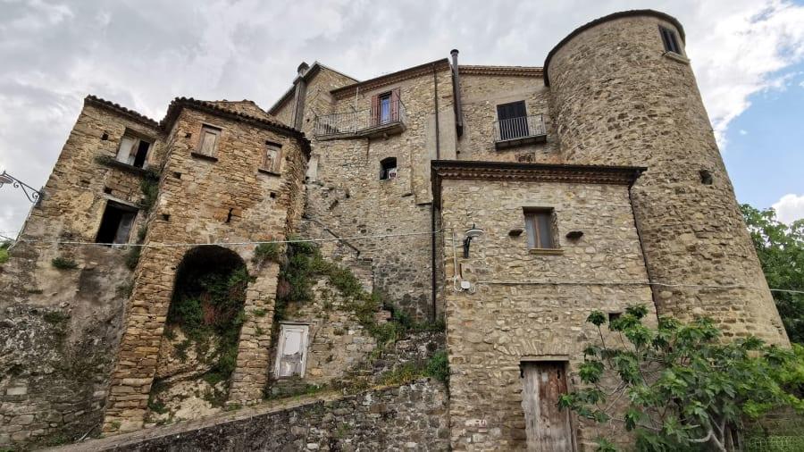 Laurenzana €1 homes on sale--old-houses-c-moreno