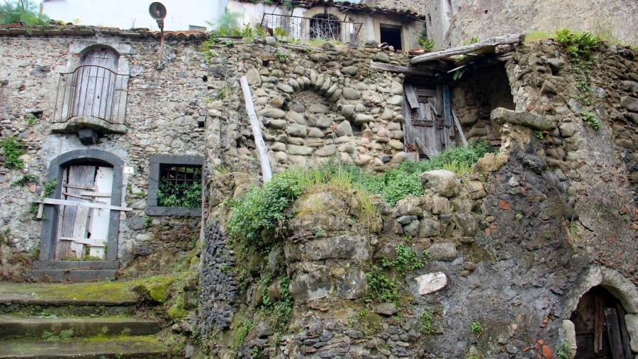 castiglioni dari Sisilia 4-14