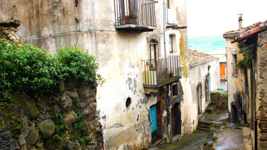 castiglioni dari Sisilia 4-13