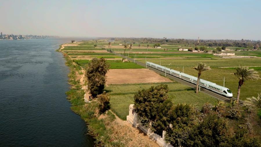 egypt fast train 4