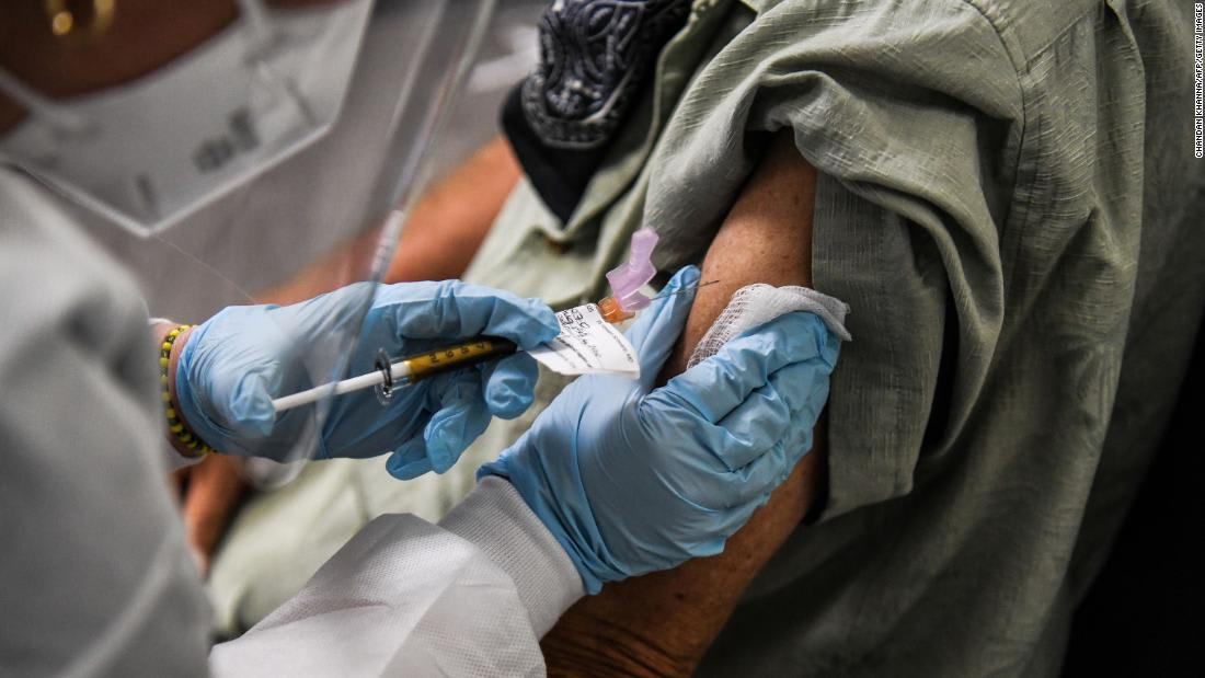 The US needs 200 million tests a month to reel in Covid-19 pandemic, report says