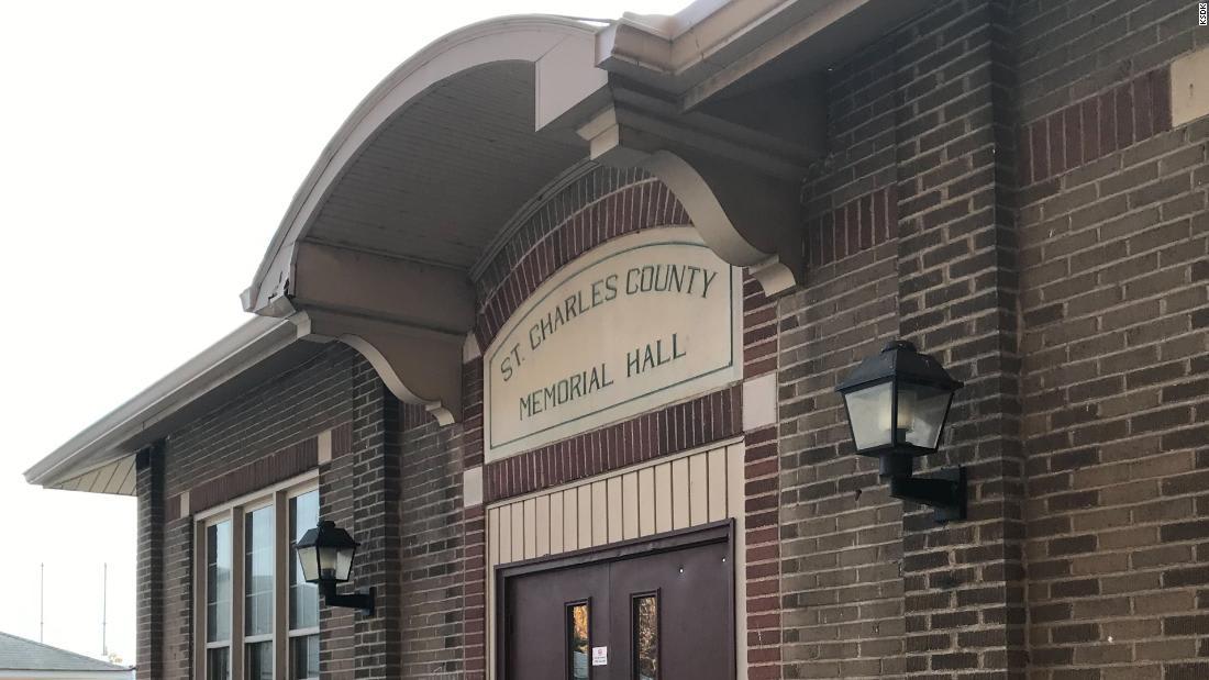 Election judge supervisor dies after testing positive for Covid-19