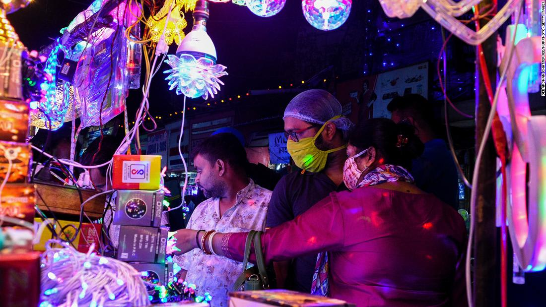 New Delhi prepares for Diwali during high levels of pollution and a pandemic