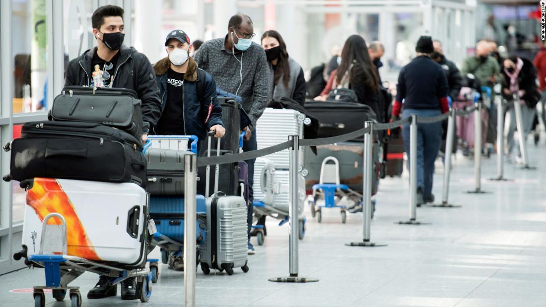 Boris Johnson to hold emergency meeting as concerns grow over new coronavirus variant