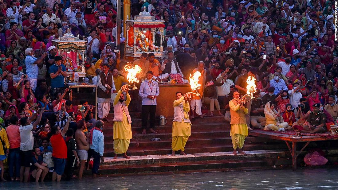 Despite Covid's fears, a mass religious festival is taking place in India