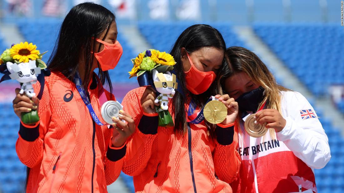 How skateboarder Sky Brown was urged on to bronze by gold medal winner Sakura Yosozumi