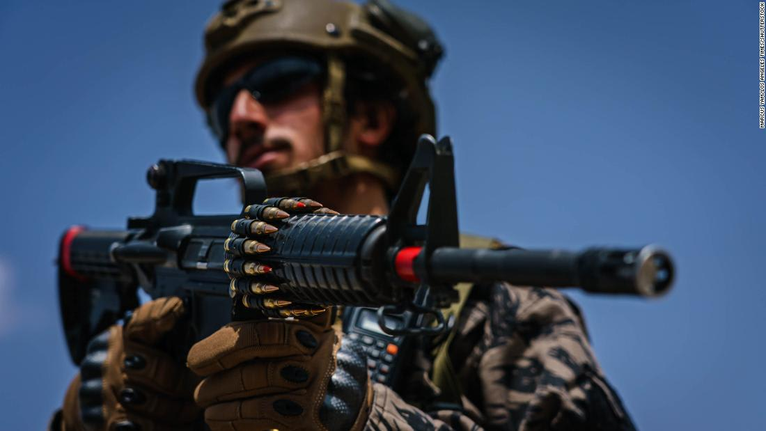 Taliban show off captured weapons at Kandahar victory parade