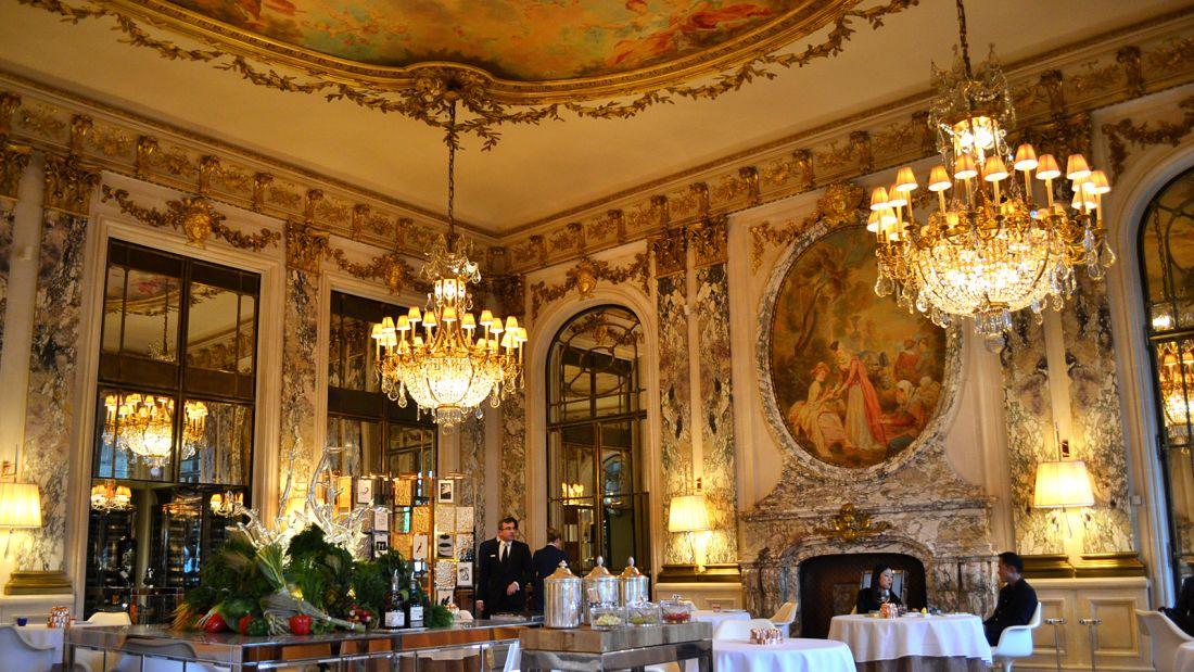 Paris dish dining room Le Meurice DSC_1012