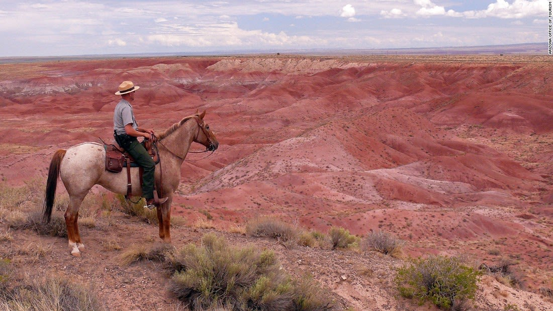 Colorful places Painted Desert - Ranger Ross and Pintado