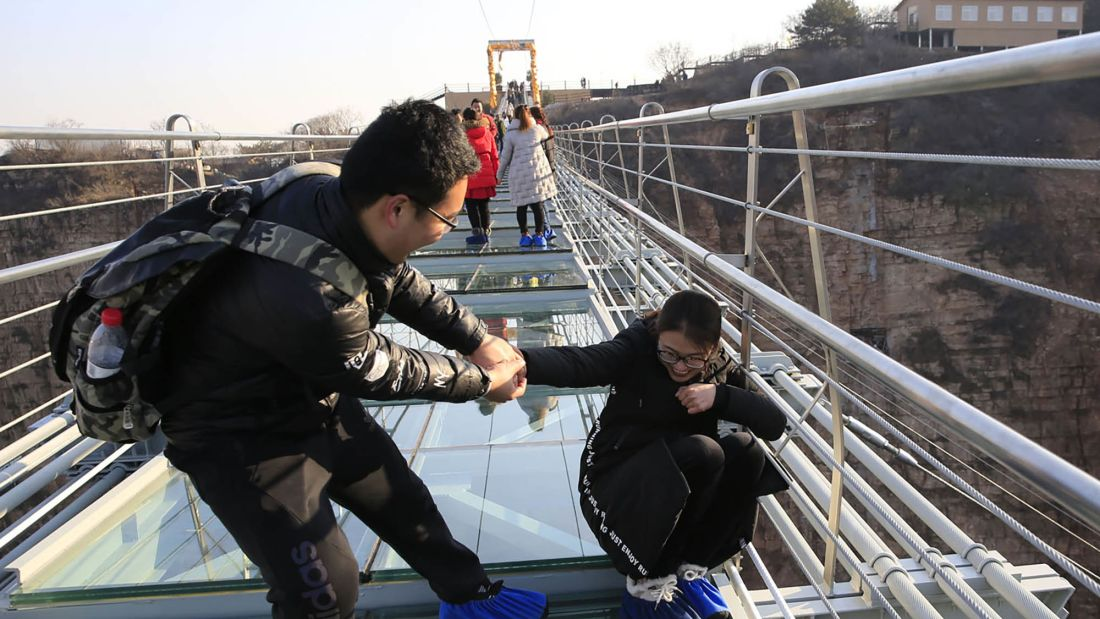 02 Hongyagu glass bridge RESTRICTED