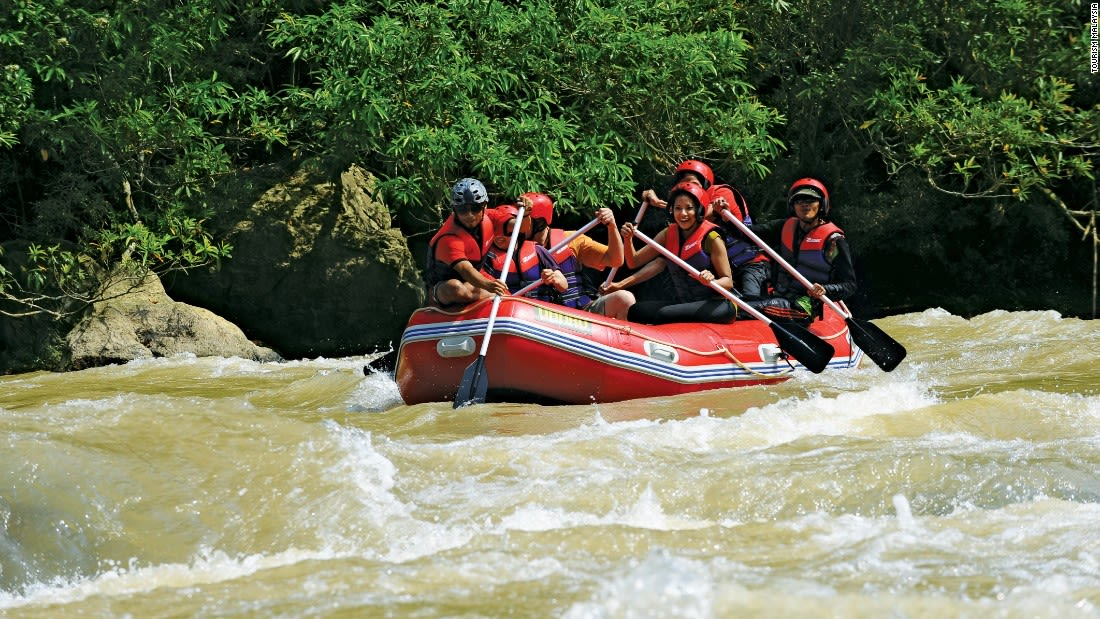 ultimate malaysia Whitewater rafting pahang