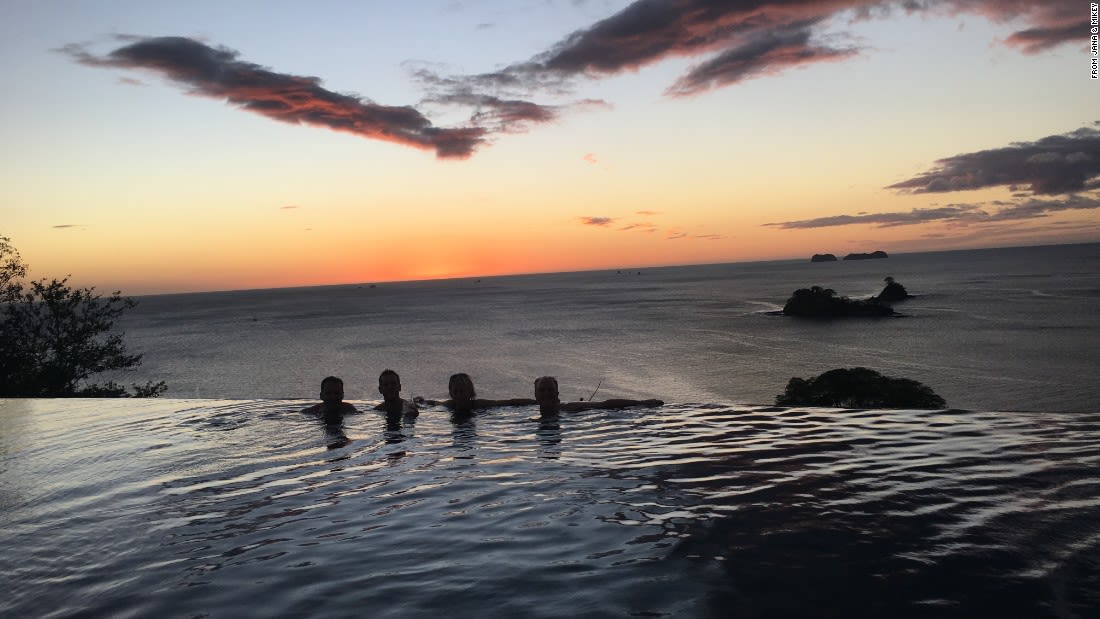 spectacular pools casa chameleon costa rica