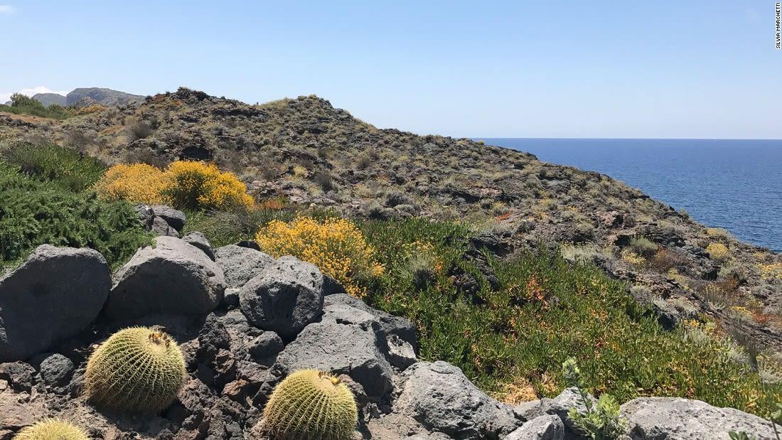 Aeolian-Islands---Mars-looking-vulcano---Silvia-marchetti