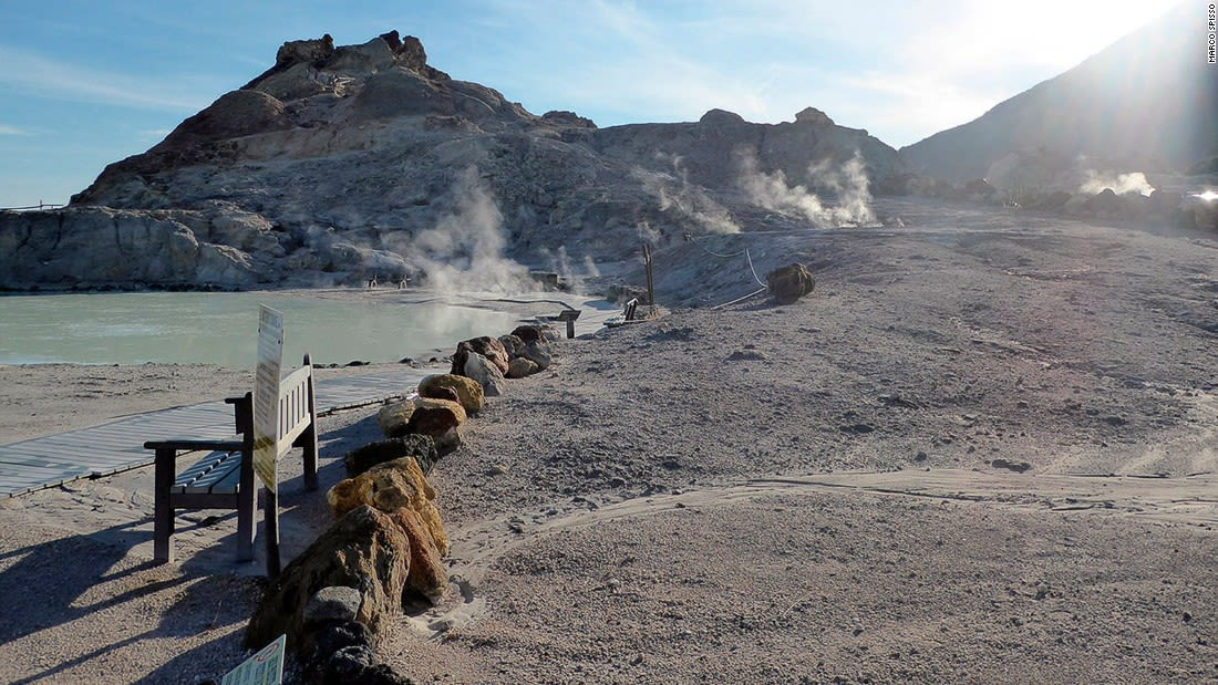 Aeolian-Islands---Vulcano-mudbaths---credit-Marco-Spisso
