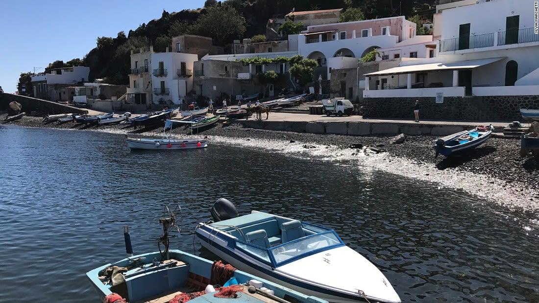 Aeolian-islands-Alicudi-Silvia-Marchetti