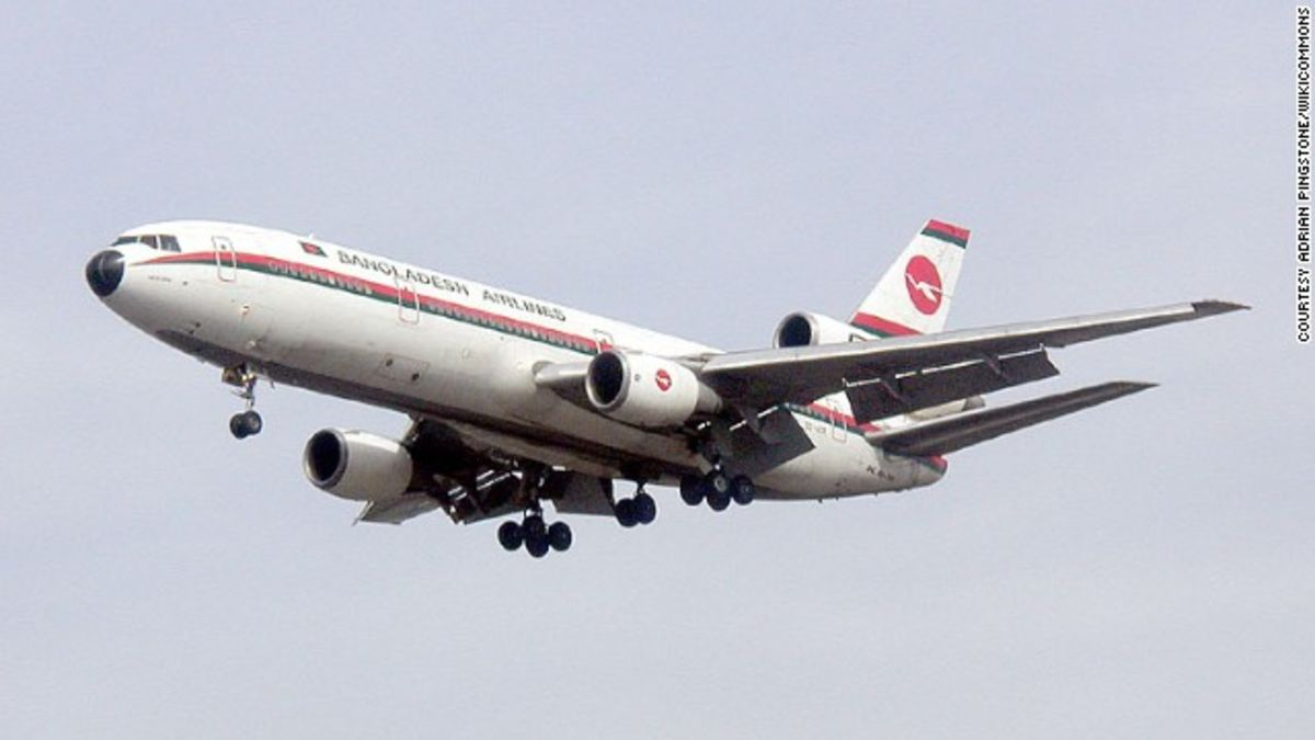 Final boarding: McDonnell Douglas DC-10 makes last passenger