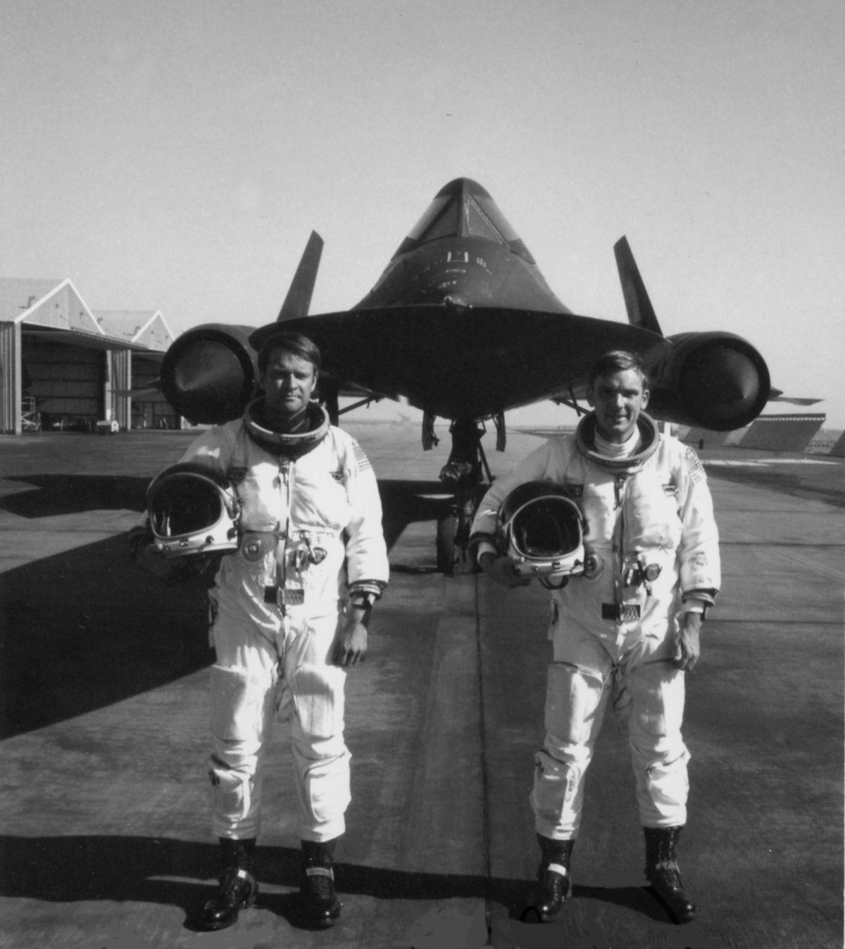 George Morgan and Al Joersz set the record for flying the world's fastest  jet