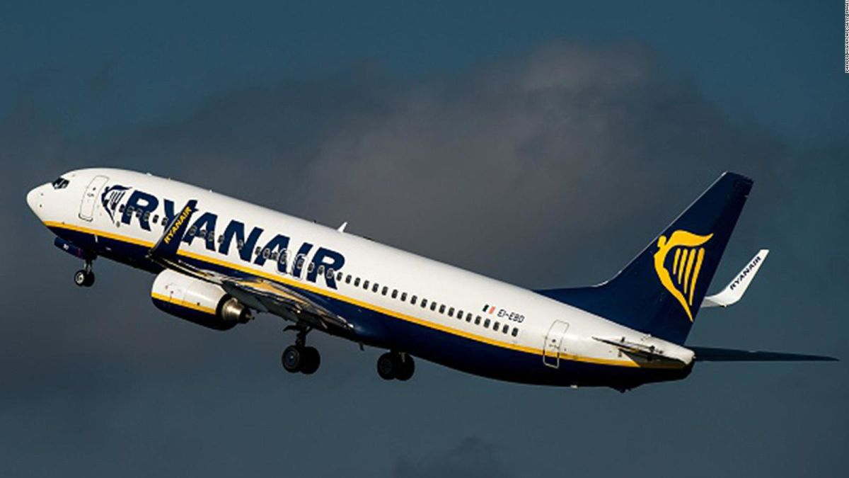 irish airline ryanair essay Striking staff have forced irish airline ryanair to cancel around 250 flights today which has potentially affected tens of thousands of passengers travelling across europe.