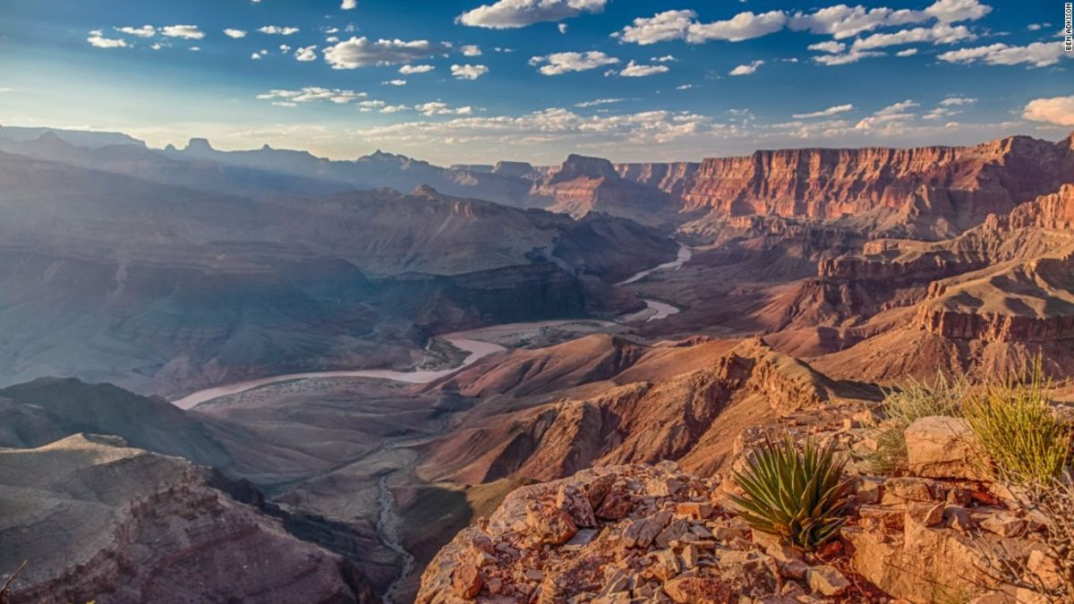 an introduction to the grand canyon national park in the united states