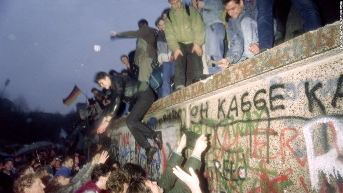 On 29th anniversary of Berlin Wall's fall, it's a different world