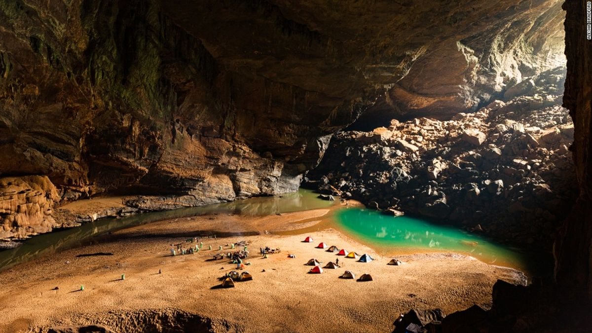 A journey to the world's largest cave