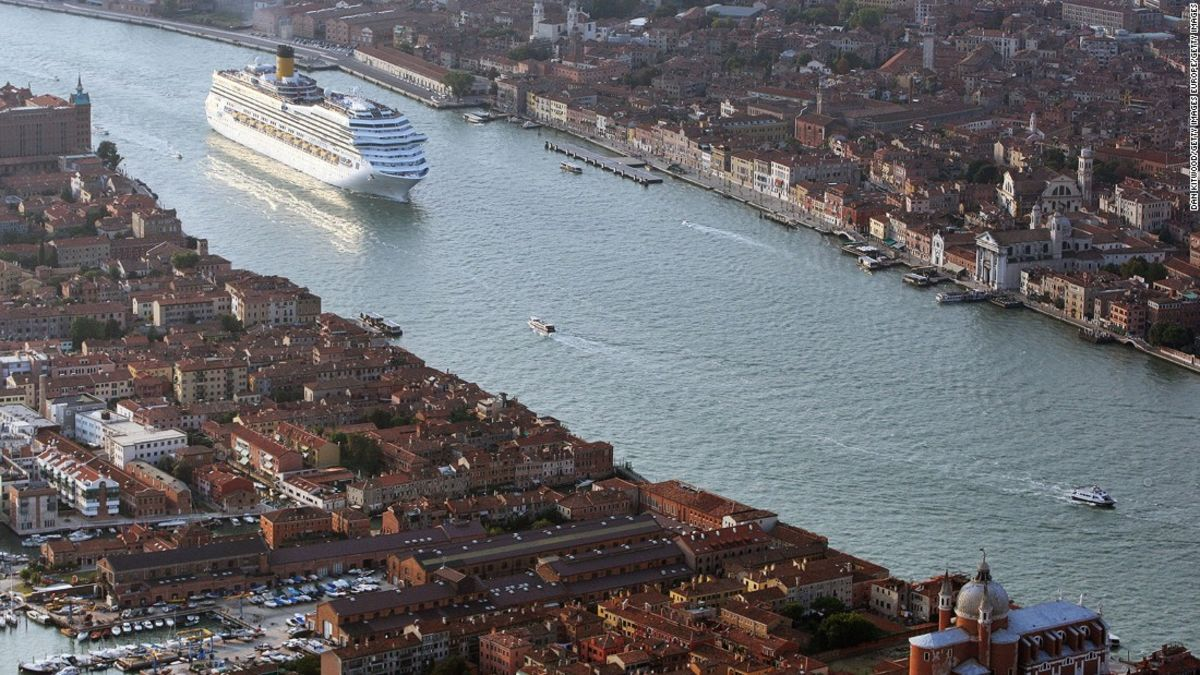 Cruise Ship Sinking 2020.Venice To Huge Cruise Ships Historic Lagoon Is Off Limits