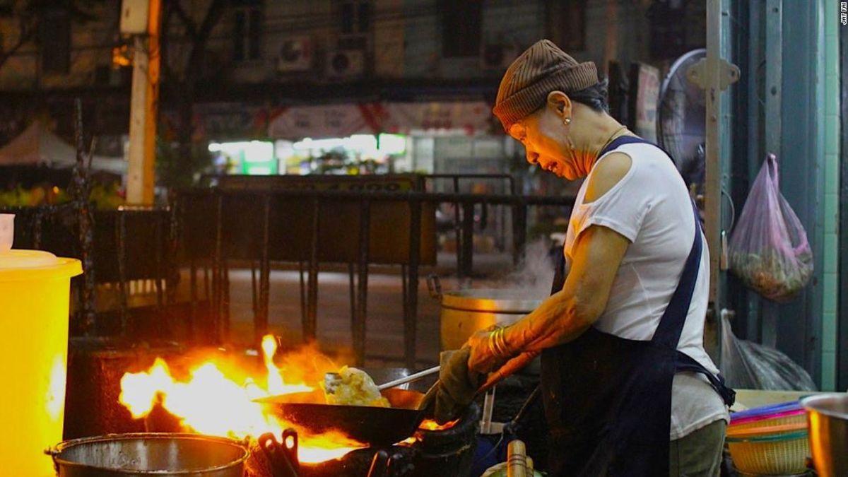 Bangkok street food joint gets Michelin star