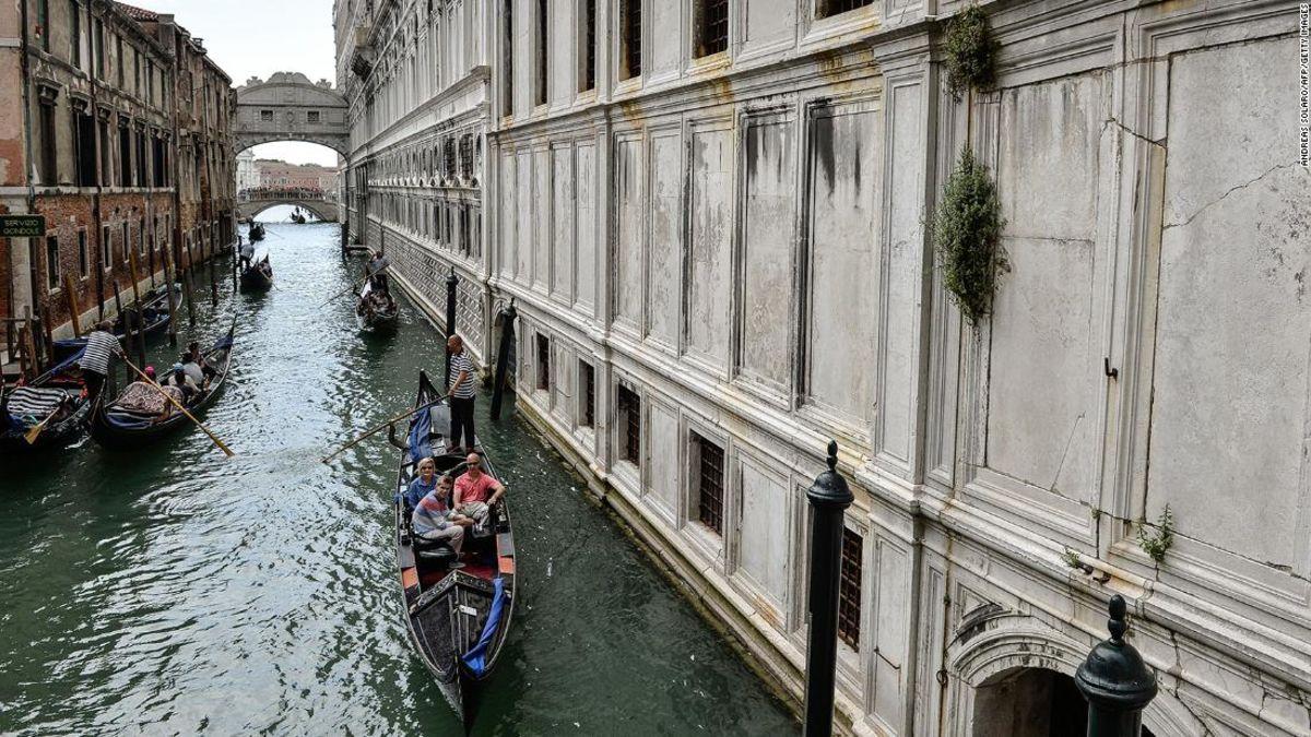 How To Avoid Tourist Trap Restaurants In Venice Cnn Travel