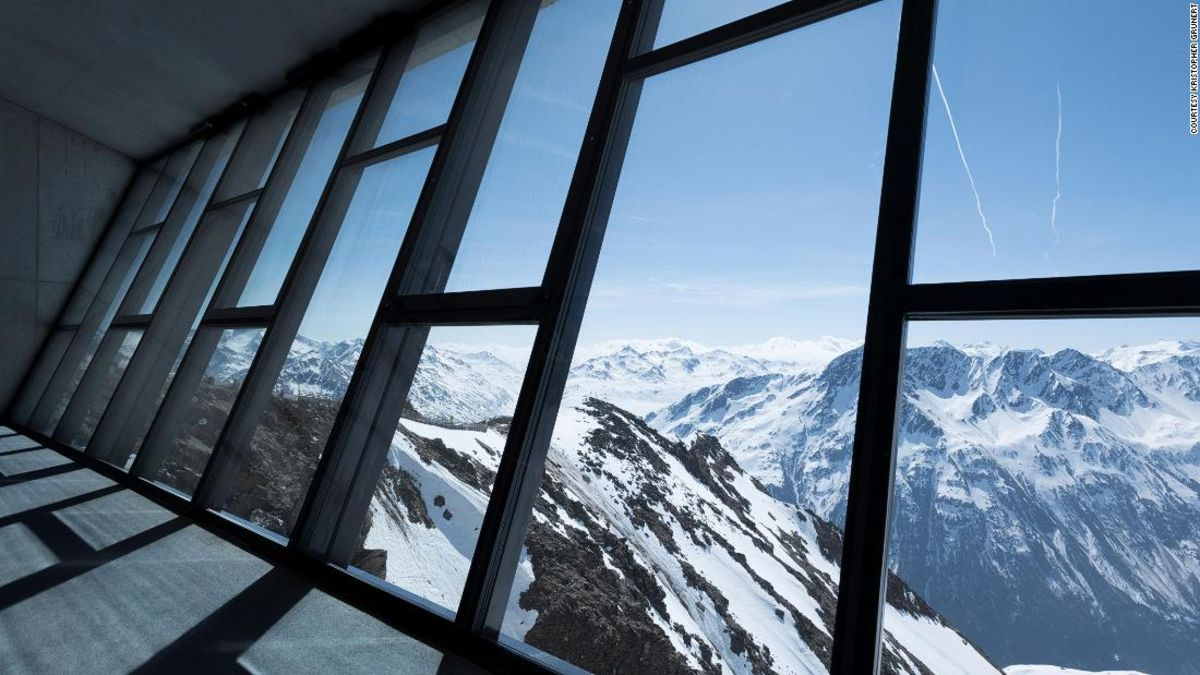 James Bond museum opens on Austrian mountain