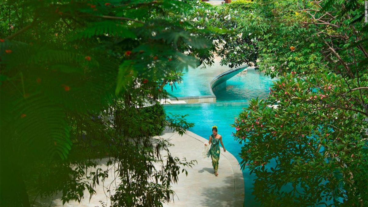 bali s ayana resort and spa bans smartphone use by the pool cnn travel