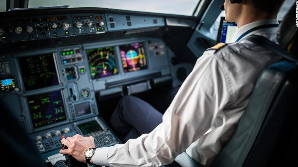 What are the alcohol rules for airline pilots? thumbnail