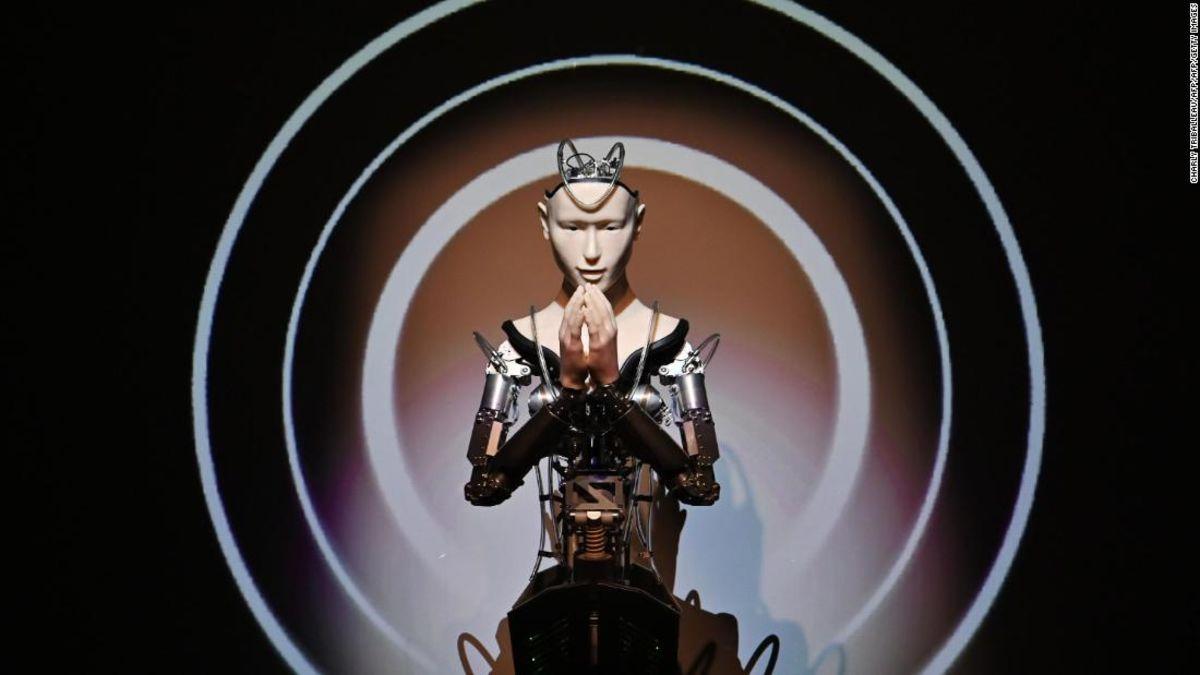 The robot priest that's revolutionizing Buddhism