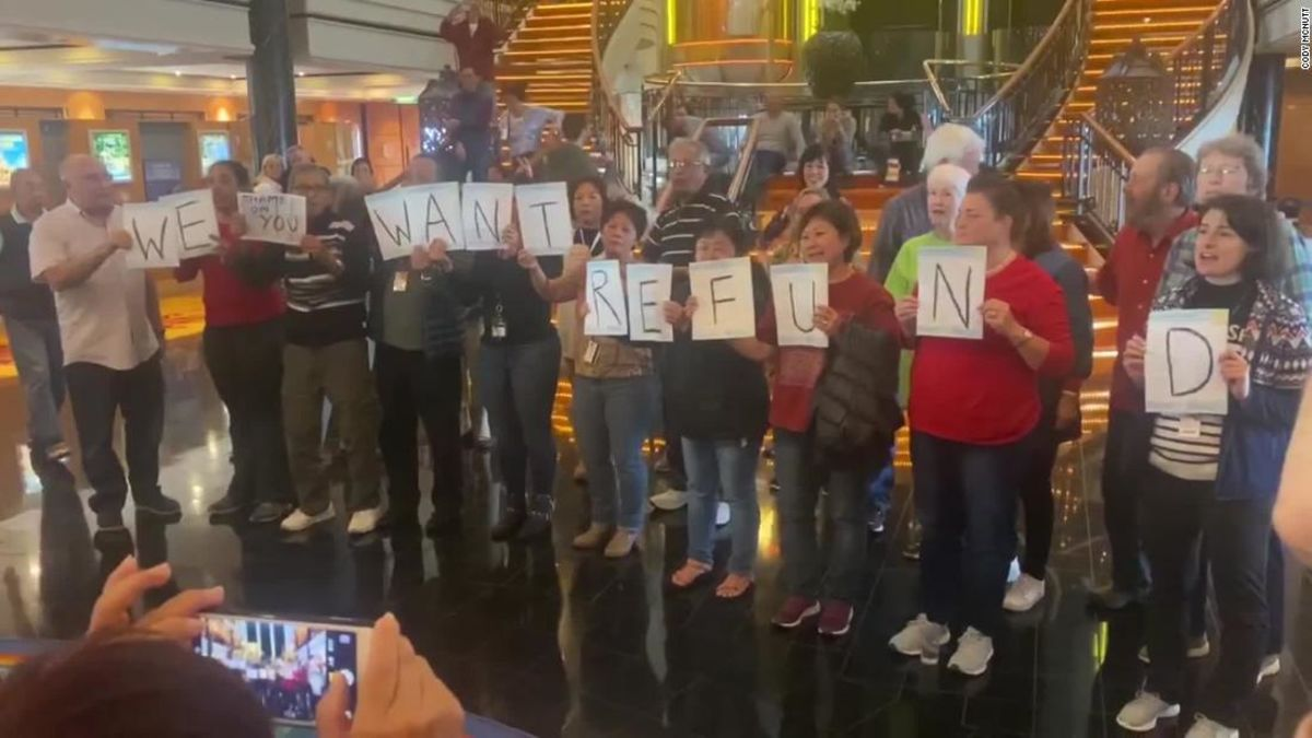 'We want refund!' Angry cruise passengers protest skipped ports