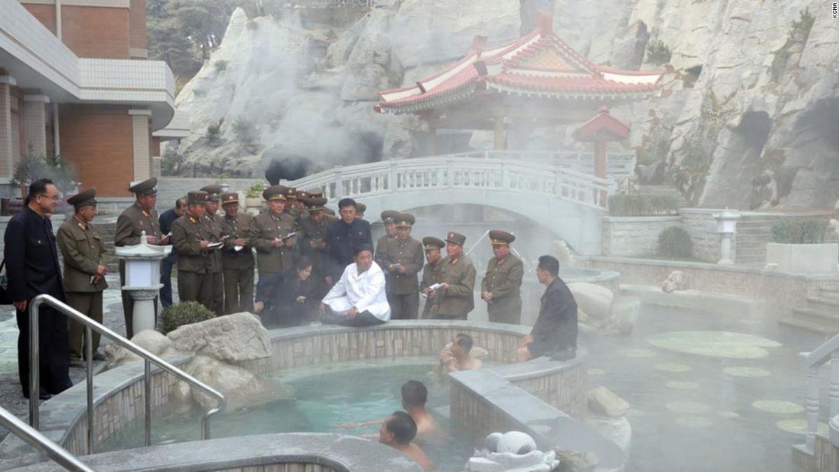 Kim Besuch des 'eigenartigen' Kurort