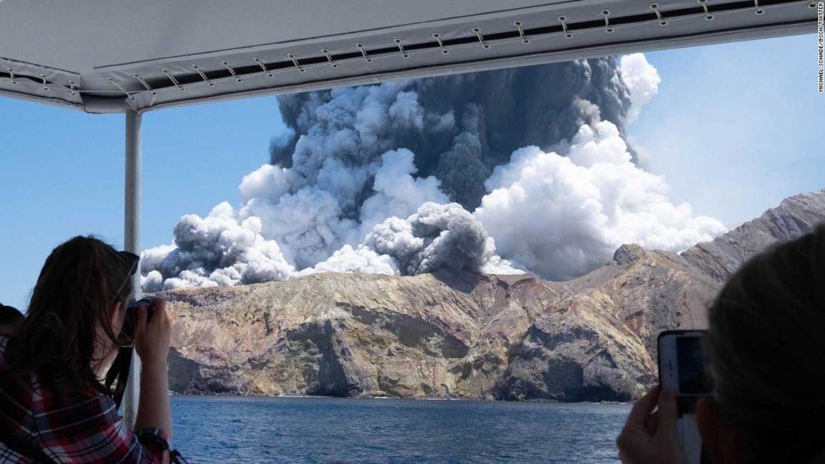 という驚きの広告に使用されていまツアー販売に大噴火