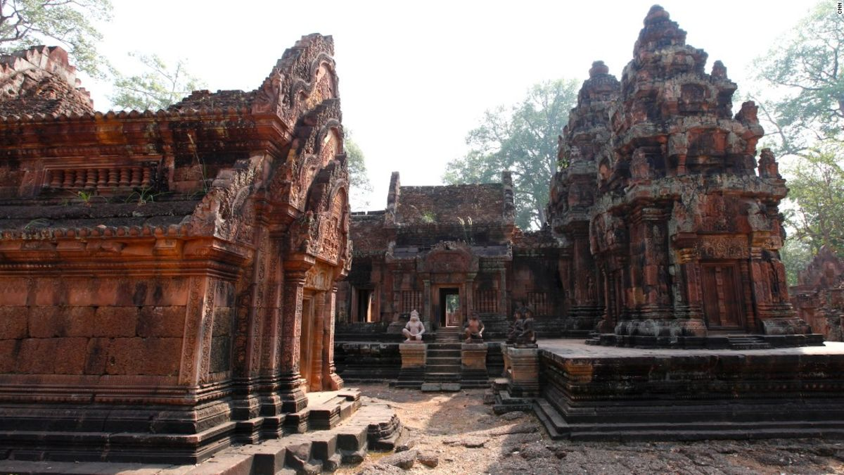 Tourists Deported For Taking Nude Photos At Angkor Wat -6086