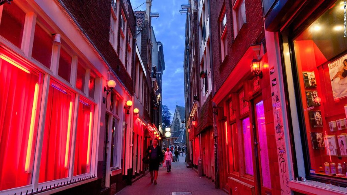 Amsterdam will ban Red Light District tours starting in