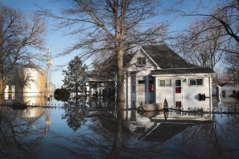 Midwest flooding in photos