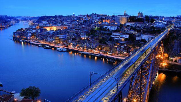 N Portugal D Luis Bridge Porto