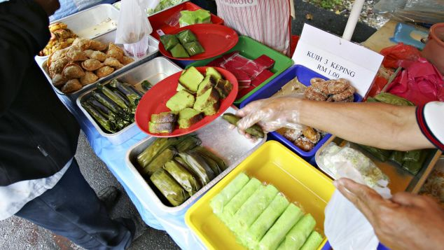 Kuih is one of Malaysia's favorite desserts.