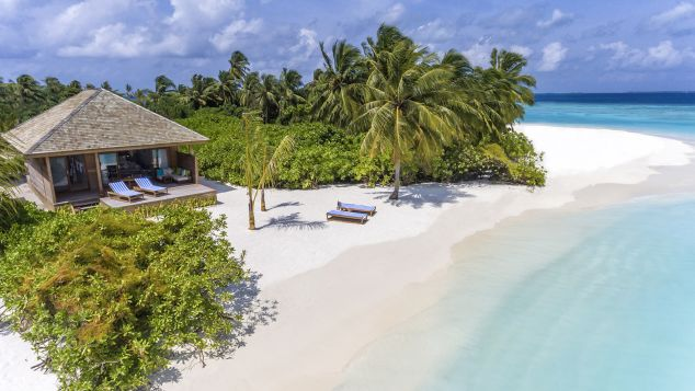 Maldives Hurawalhi Beach Villa Exterior 2