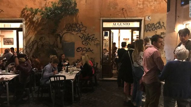 Rome al fresco dining Augusto credit chris dwyer 3