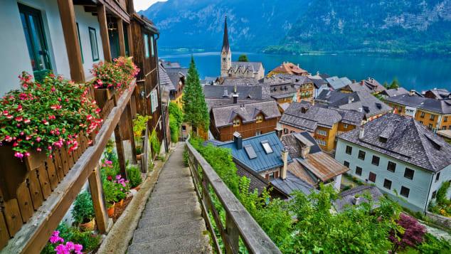 travel and leisure euro village Hallstatt