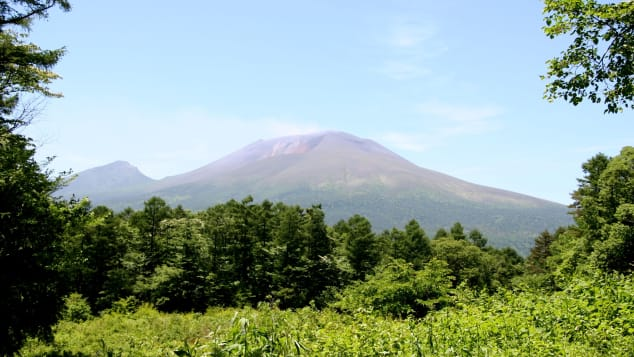 Núi Asama là một trong những ngọn núi lửa hoạt động mạnh nhất của Nhật Bản.