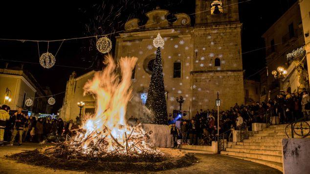 Candela - bonfire