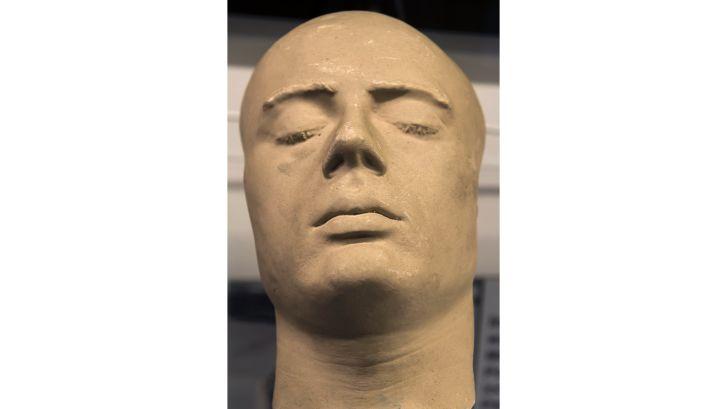 01 death masks 7 RESTRICTED
